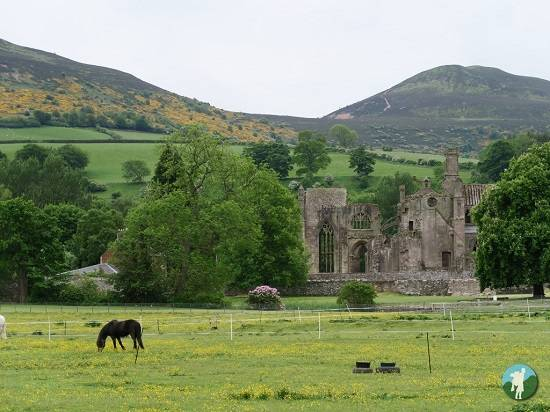 weekend in the Scottish Borders melrose abbey.