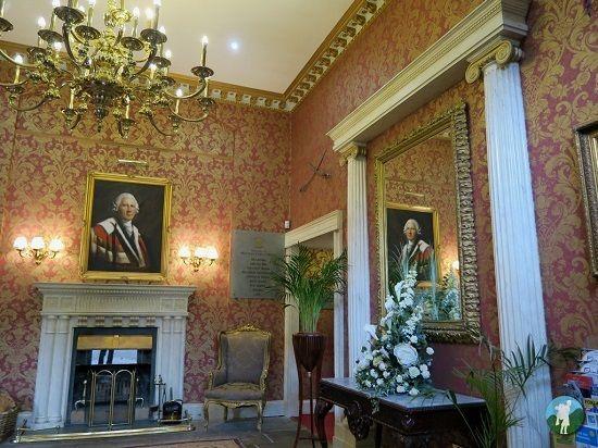melville castle review front entrance.