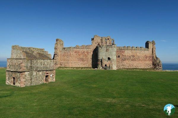 things to do around edinburgh tantallon castle.