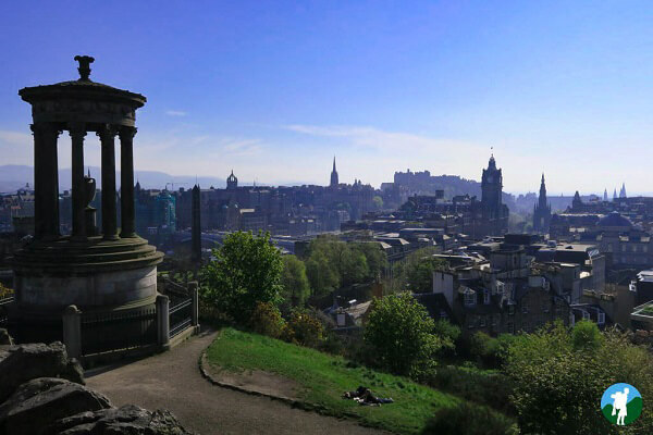 Calton hill view edinburgh on a budget