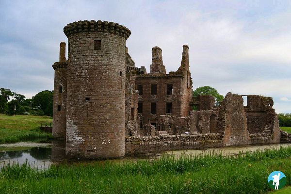 history dumfries caerlaverock siege