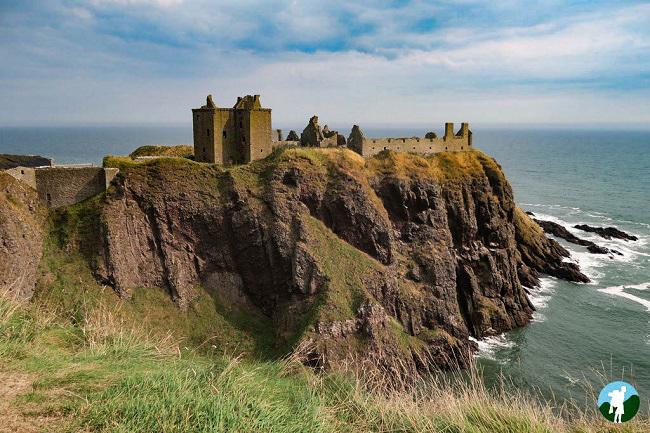 dunnottar castle visit stonehaven