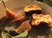 Morbido di caprino allo zafferano con pere e composta di pere