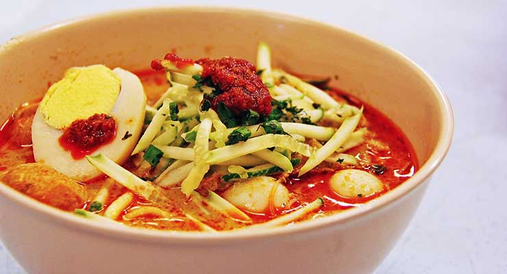 Top Food Destinations In The World Singapore Laksa 740x400