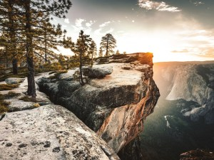 Hiking in Yosemite National Park | Things to do in Yosemite National Park