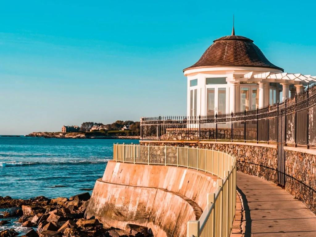 Newport Cliff Walk | Rhode Island Travel Guide