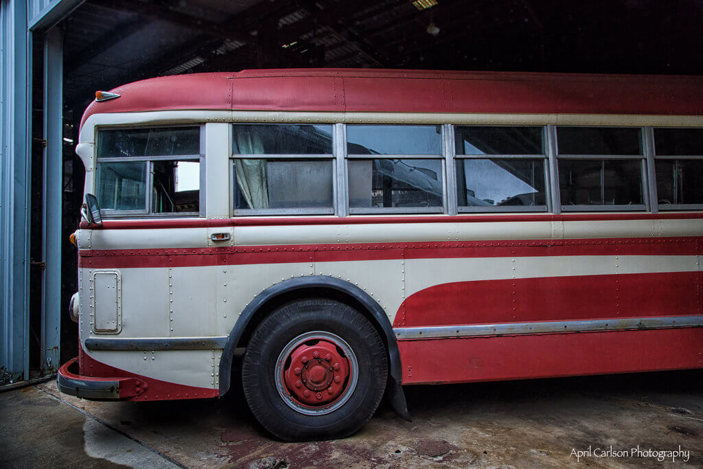 Touring Southeastern Railway Museum: Old Bus