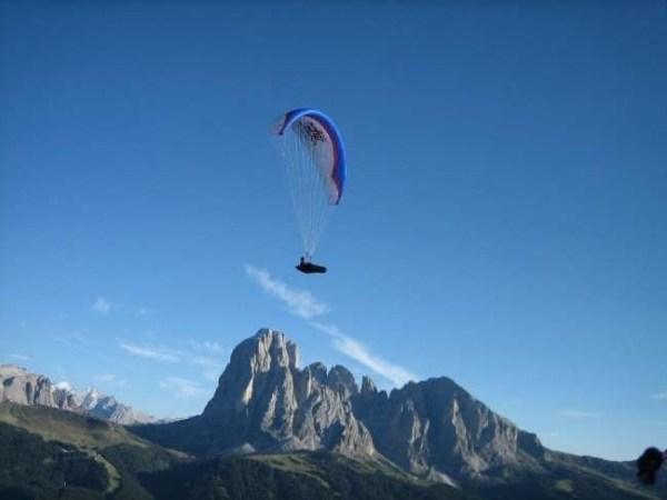 canazei paragliding