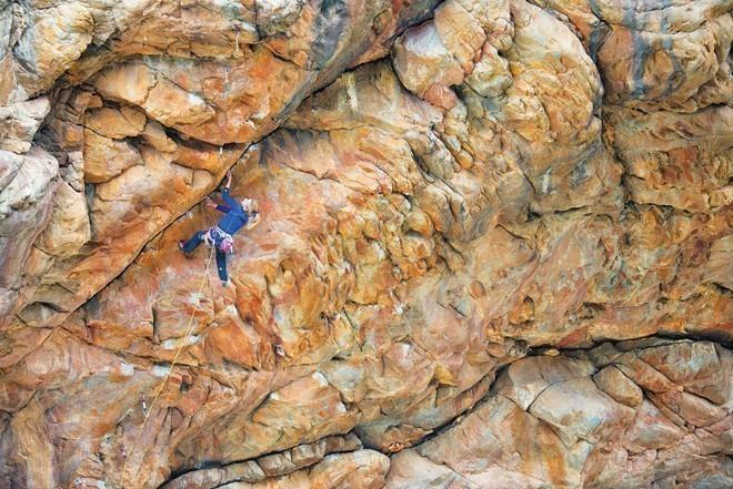 Montagu rock climbing 3