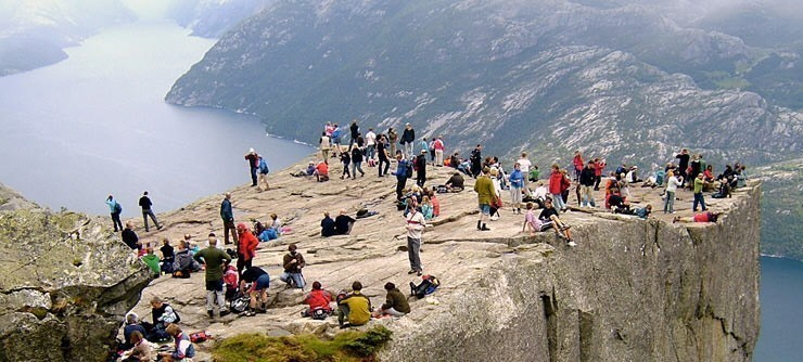 Preikestolen Hiking
