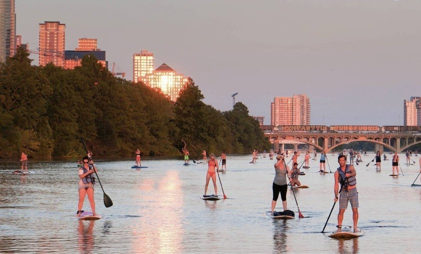 stand-up-paddleboarding-lessons-lady-bird-lake