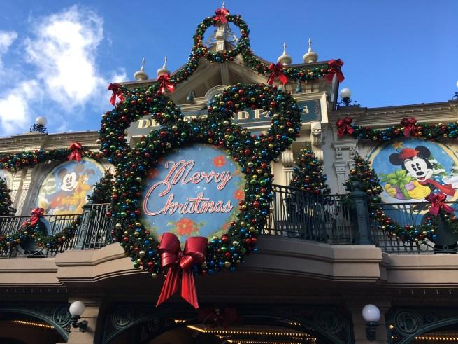 Christmas Disneyland Paris - Main Street Station