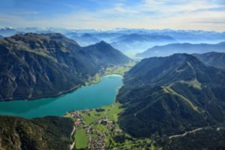 View on the Achensee from a surrounding mountain. © Österreich Werbung Homberger