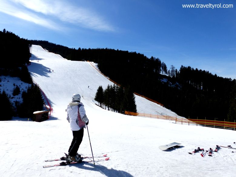 8c082ce007 10 essential skiing tips for beginners - learn from experience ...
