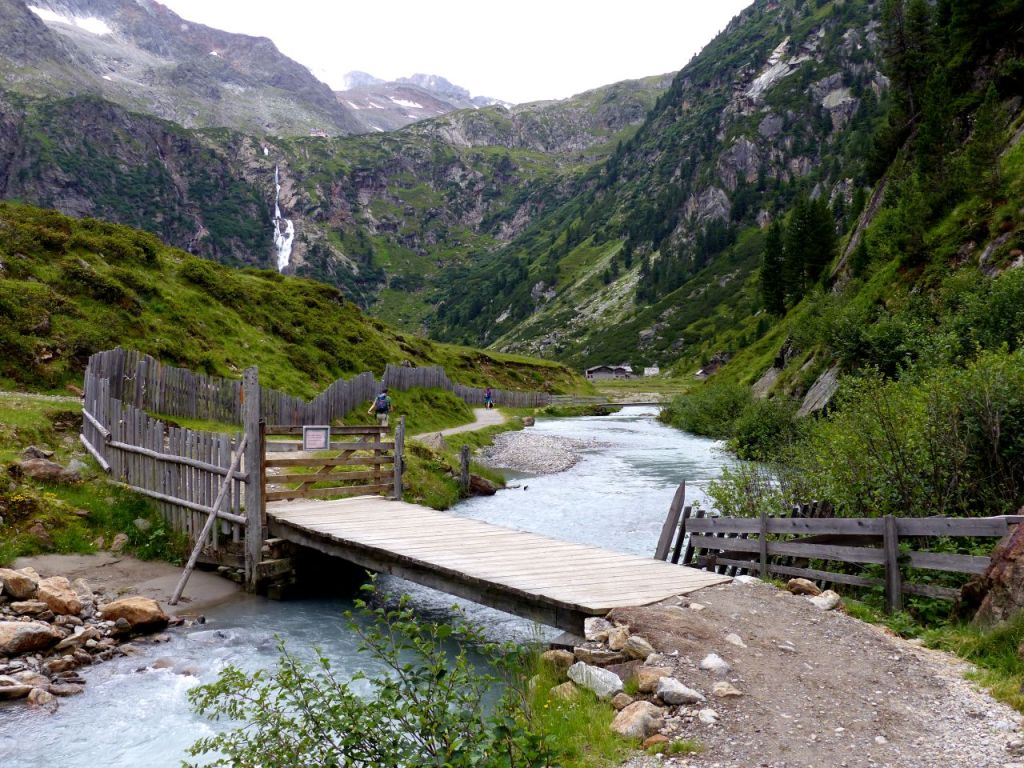 Hiking pictures of Austria. The wild water trail in the Stubai Alps. © Travel Tyrol / Linda de Beer