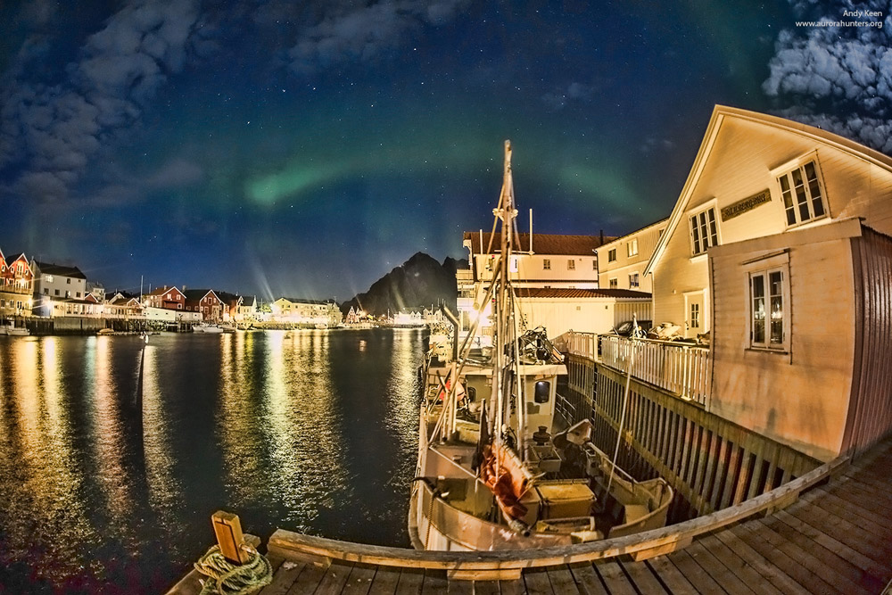 Northern Lights over the Lofotens © Andy Keen