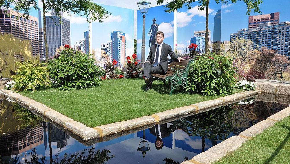 The US ambassador enjoying the Massachusetts Garden