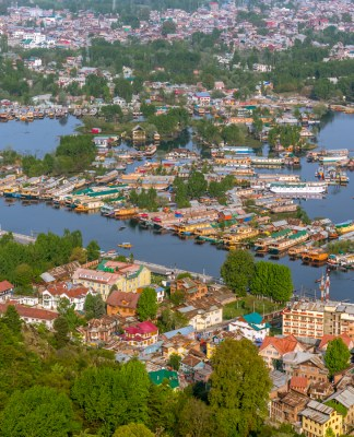 Romancing India's Best Loved Lake - Dal Lake
