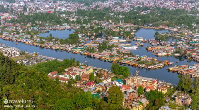 Romancing India's Best Loved Lake - Dal Lake