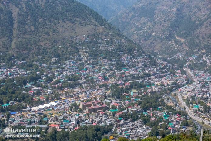 En route the Bijli Mahadev Trek – Kullu Attraction