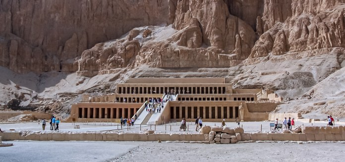 ...many significant sites litter the west bank. Like the valleys of kings and queens, the mortuary temple of Hatshepsut, and the colossi of Memnon. UNESCO inscribed them on its World Heritage List in 1979. - Luxor West Bank - A Bumper Crop of Heritage - Travelure ©