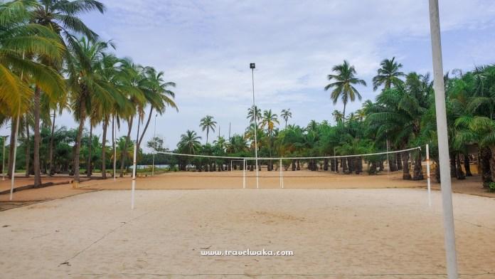 Volleyball at Casa del Papa