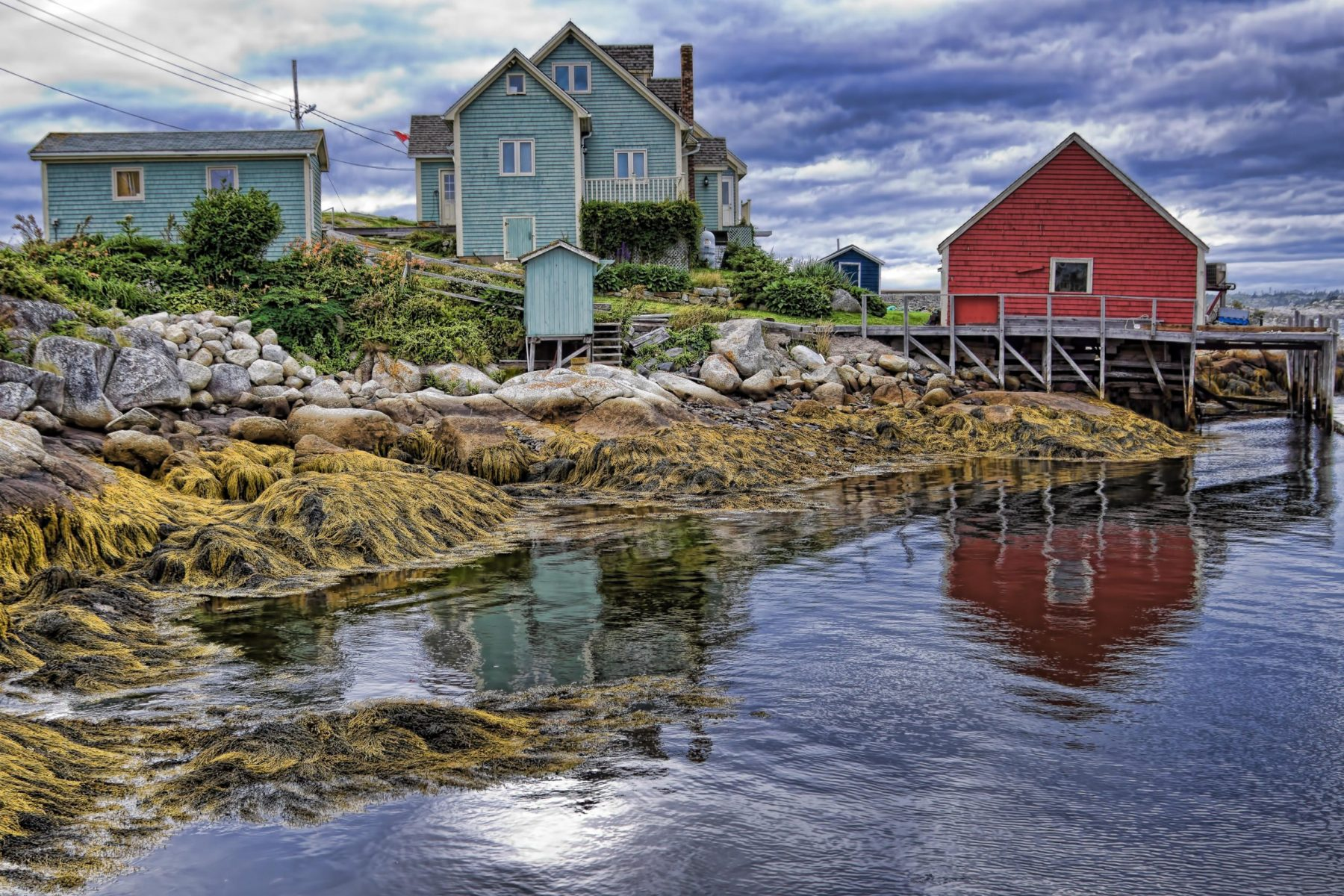 Loe tide at Peggy's Cove