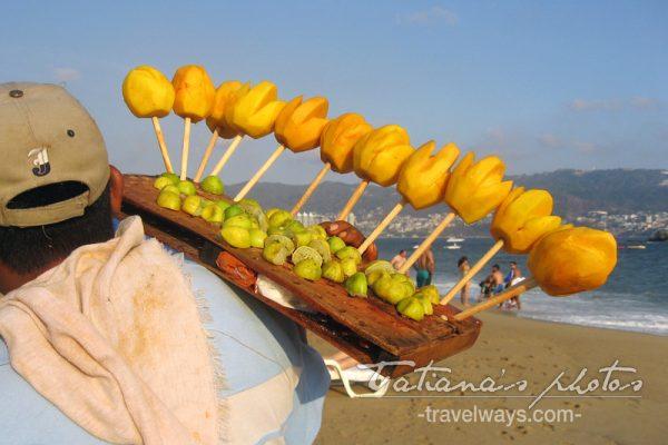 Fresh mangos served on the Acapulco beaches