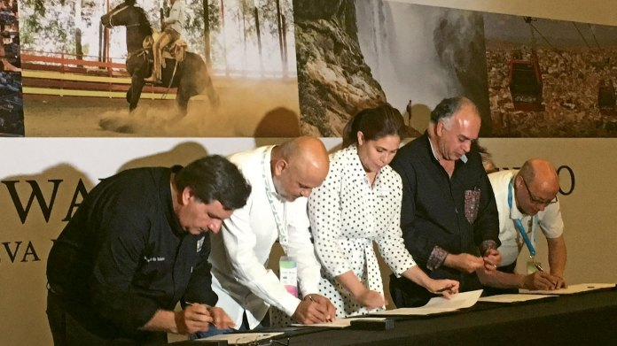 Representatives from four Mexican states and Mexico City sign an alliance to promote tourism, attempting to spread Mexico's marketing message without funding from the federal government.