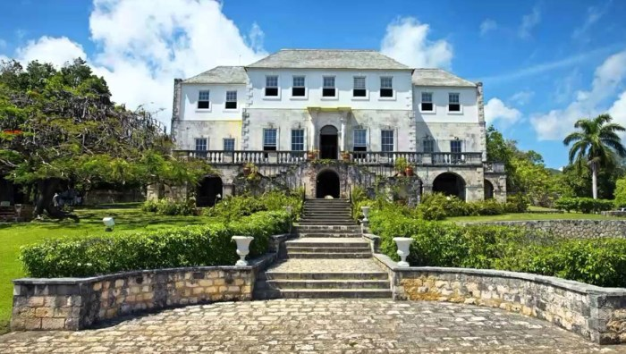 Rose Hall Great House, cheap flights to jamaic, things to do in jamaica, jamaica travel guide, jamaica tour, flights to jamaica,