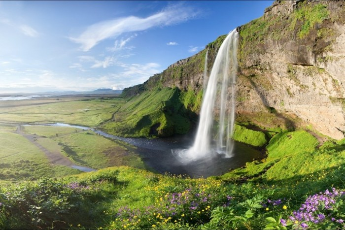 direct flights to iceland