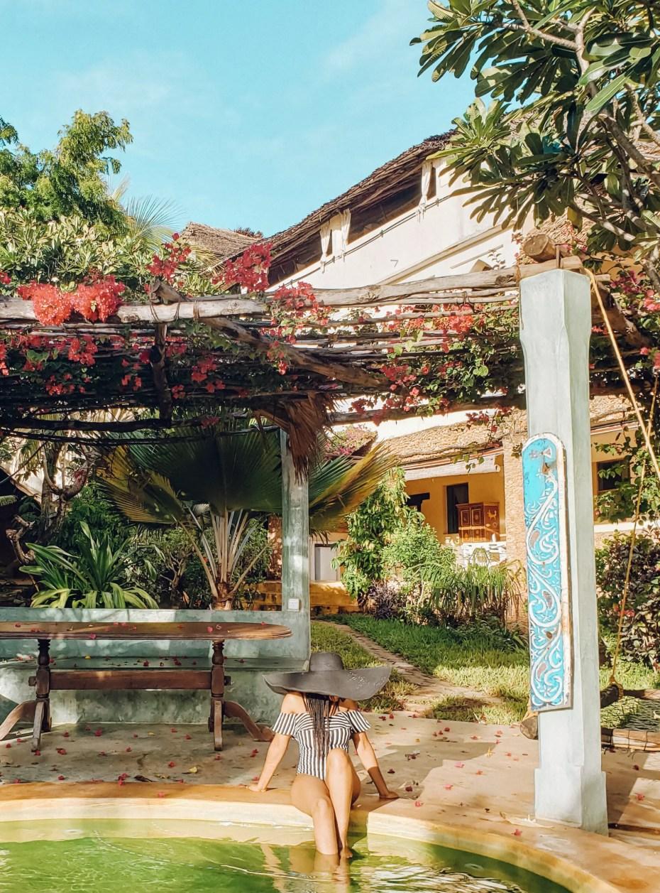 Banana House Shela Pool