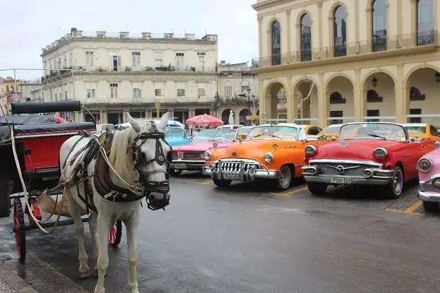 Reconditioned vintage cars around Parque Central