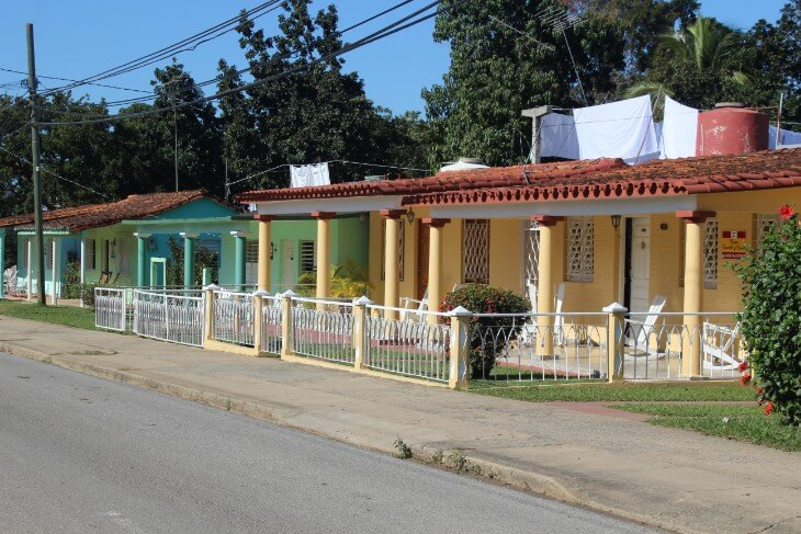 Casas particulares in the city center of Vinales