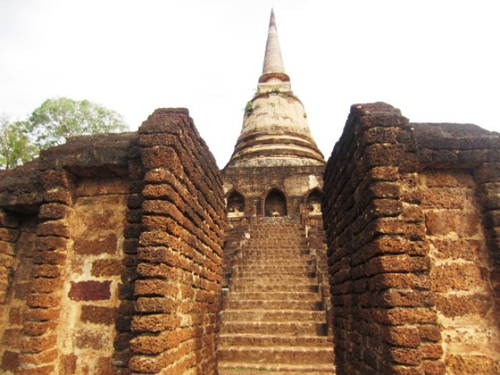 Stairs leading to the upper tier of Wat Chang Lom at Si Satchanalai Historical Park