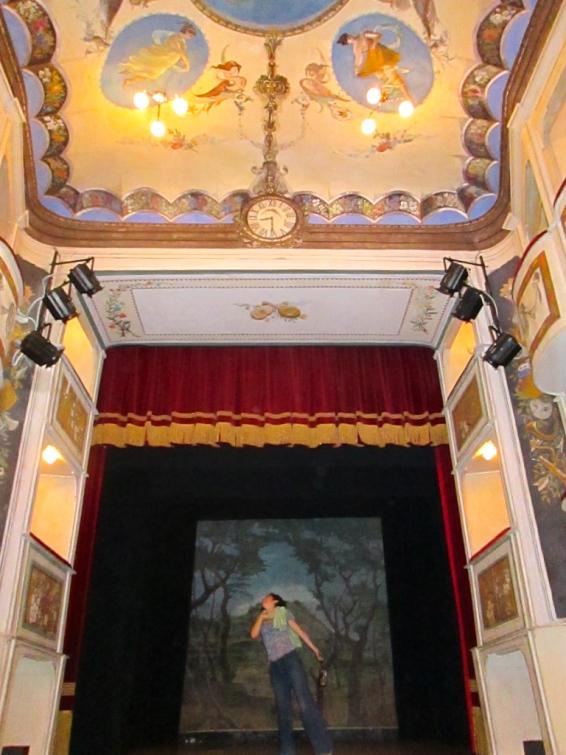 theatre_concordia_smallest_theatre_in_the_world_stanito_2b