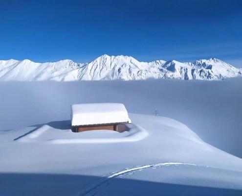 Baita nella neve