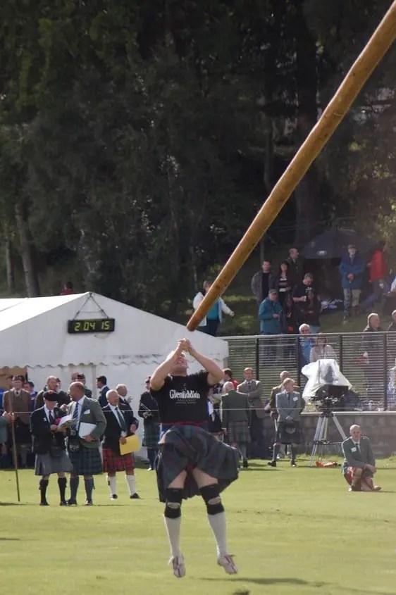 Braemar Gathering lancio del palo