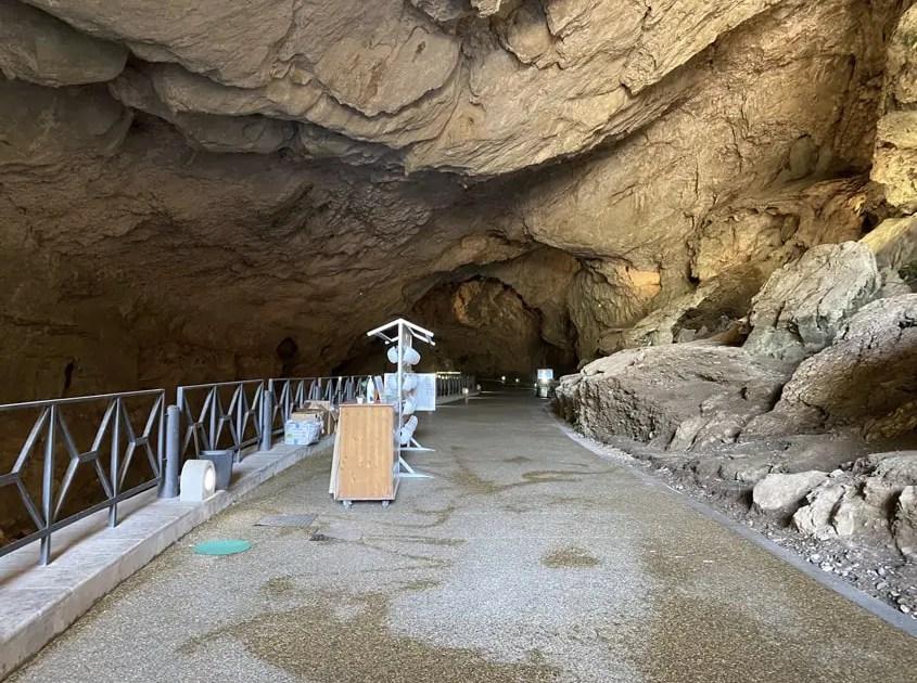 ingresso grotta di San Giovanni