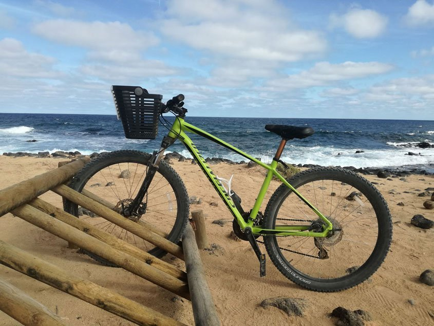 viaggio a lanzarote playa lambra