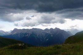 Richtiges Verhalten bei Gewitter in den Bergen: Gewitter am Karnischen Höhenweg