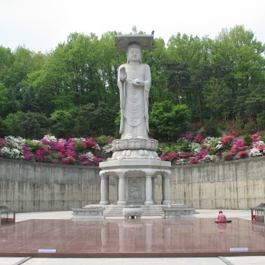 This is the main Buddha statue in the temple (credit: Wikipedia)