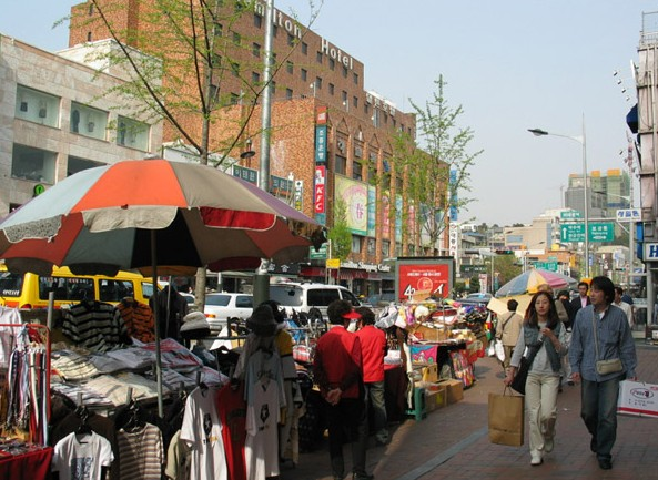 The foreign district of Itaewon-dong.
