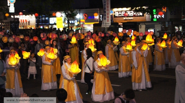 Yellow Hanboks - Lotus Lantern festival