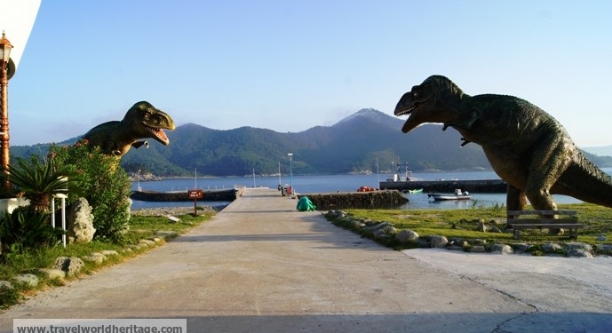 Sado Island: Beautiful Town, Crystal Water, and Dinosaurs?