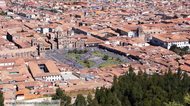 A close up of the plaza de Armas (town square) in Cusco
