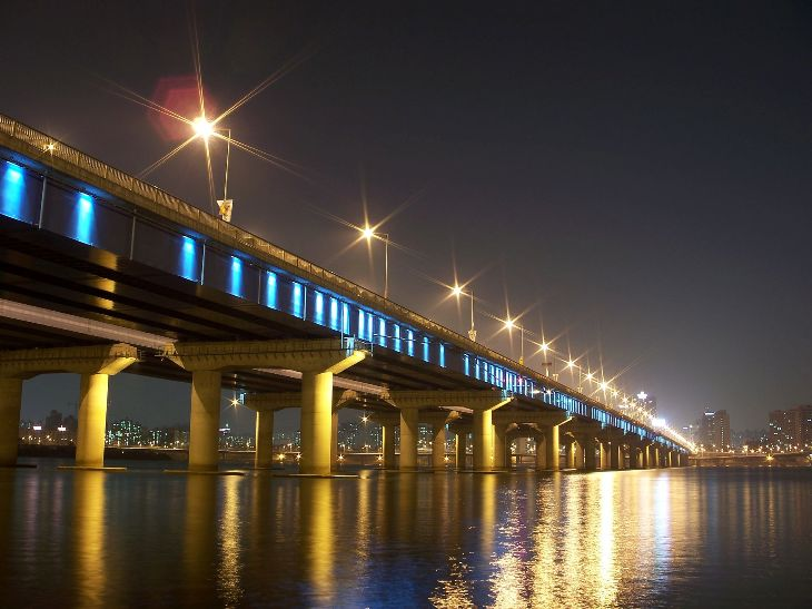 Mapo Bridge Yeouido credit Seongryong Hong