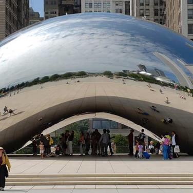 Anish Kapoor's Cloud Gate Sculpture in Chicago