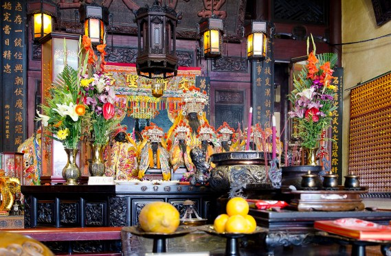 "he interior of temples vary, depending on which of Taiwan's many gods are the principal gods ""resident"" in the particular temple. Often a temple's main alter may have the principal god and his generals or lieutenants."