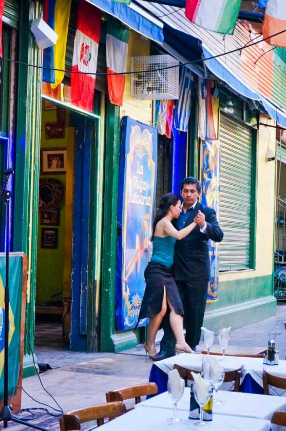 Cafe tango dancers at La Boca barrio